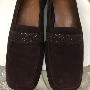 TROTTERS Brown Suede 9M Shoes